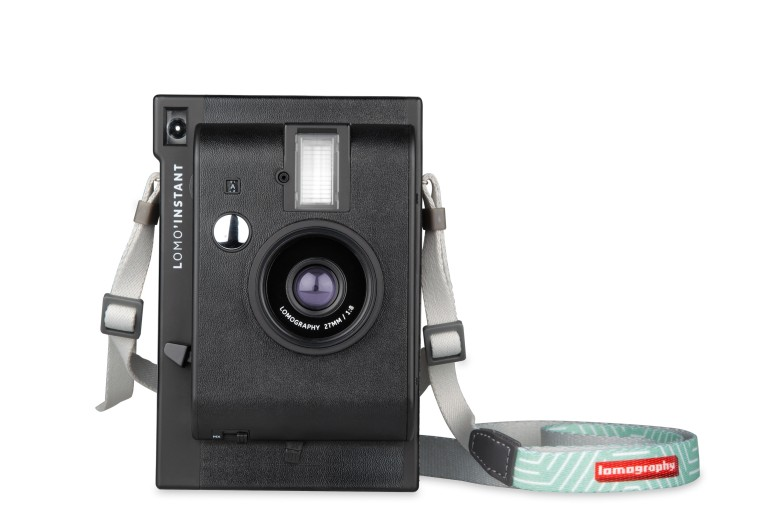 lomoinstant_black_with_strap