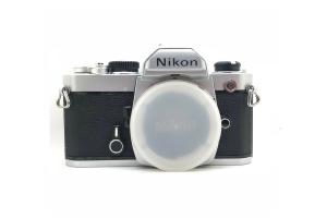 nikon fm analogovy fotoaparat