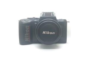 Nikon F401S