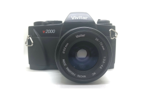 Vivitar V2000 + objektiv 35-70/3.5-4.8