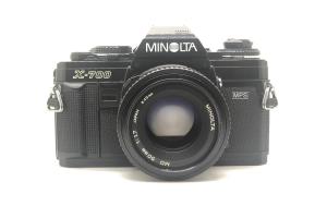 Minolta X700 + objektiv 50/1.7