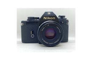 Nikon EM + objektiv 50/1.8