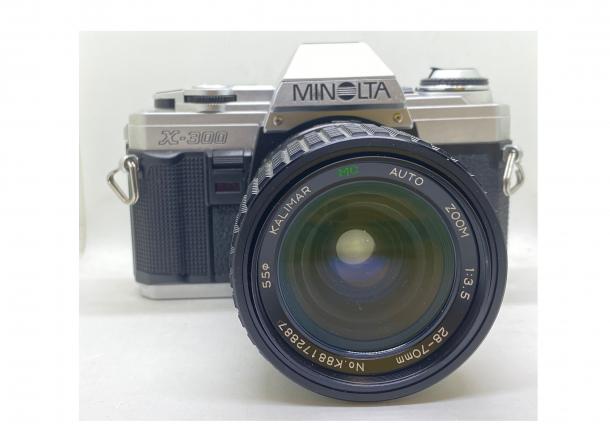 Minolta X300 + objektiv 28-70/3.5