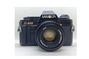 Minolta X300 Black + objektiv 50/1.8