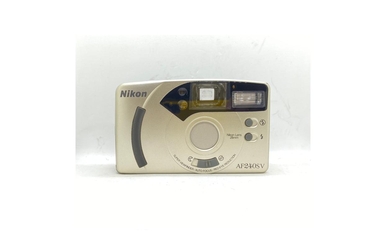 Nikon AF 240SV